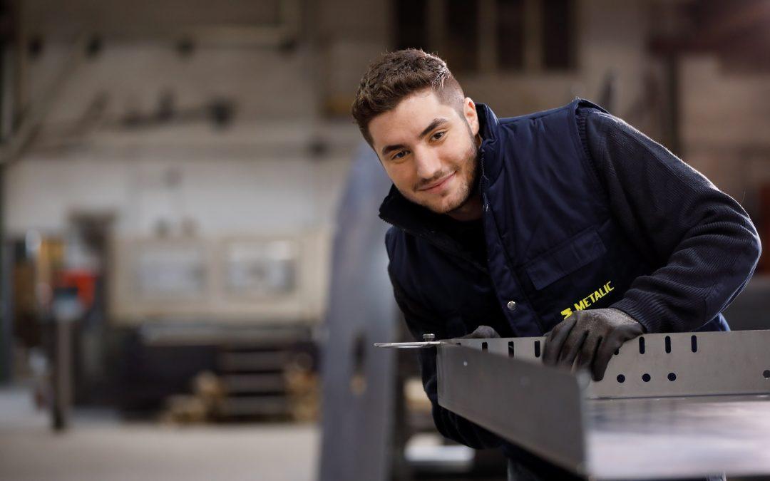 """Fundación """"la Caixa"""" ha facilitado contratos indefinidos de trabajo para más de 2.000 jóvenes en España a través del programa Empleo Joven con el Fondo Social Europeo"""